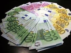 Salaire minimum société financière