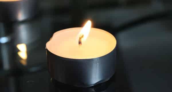 Décès, formalités obsèques, formules de condoléances et de remerciements, modèles de lettre et d'attestation